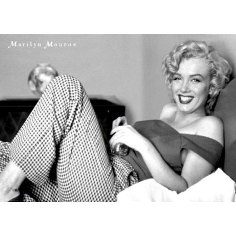 Marilyn Monroe-In Bed Poster