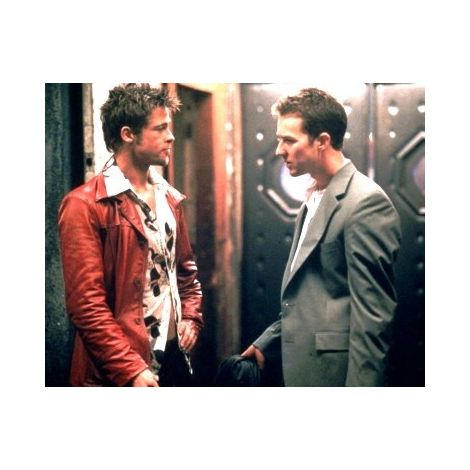 Edward Norton and Brad Pitt movie still